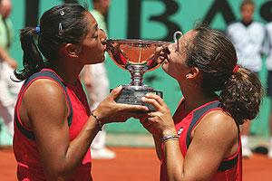 Paola Su�rez y Virginia Ruano