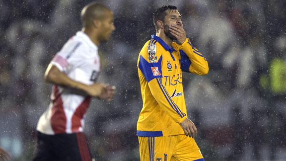 River Plate v Tigres